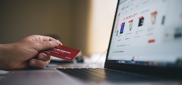 How to Choose an E-Commerce Platform for Your Online Store